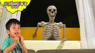 SKELETON vs. TODDLER - Skyheart night attack at 3 am with scary skeleton monster