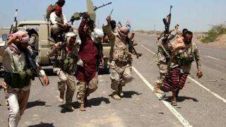 بالفيديو.. فرار الحوثيين أمام قوات الجيش اليمني في المخا