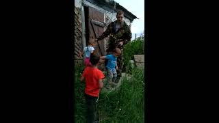 Купили дом в деревне. довольные  как слоны!!!!))))