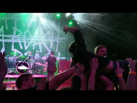 Papa Roach - Help - Live in Calgary