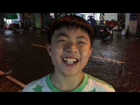 KHÔNG THỂ TIN NỔI SÀI GÒN MƯA LỚN NHƯ VẬY - PHỐ CŨNG THÀNH SÔNG LUÔN - Saigon Ngay nay