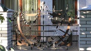 Кованные ворота, заборы. Ковка(http://simulator.org.ua Художественная ковка – это один из немногих способов сделать свое жилище уникальным и неповт..., 2014-09-18T13:43:28.000Z)