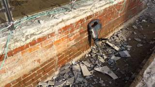 видео Нужна ли гидроизоляция между фундаментом и кладкой для дома?