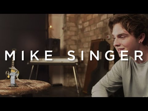 MIKE SINGER - JUNG UND FREI [The Lego Ninjago Movie Version] (Offizielles Video)