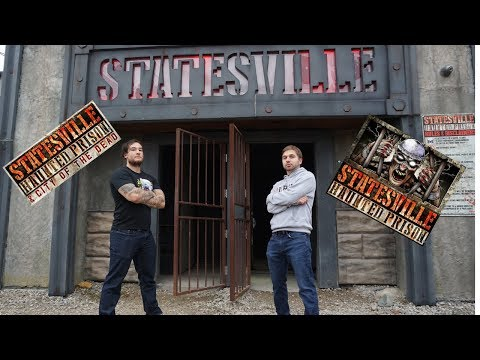 We go Behind the scenes at Statesville Haunted Prison!!!!!