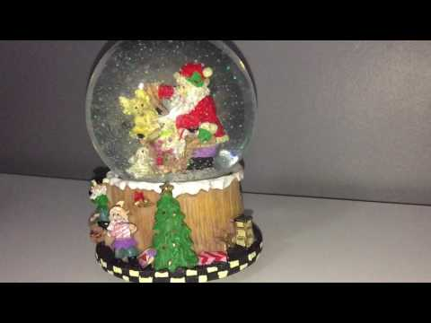 Melinera - Musical Snow Globe - We Wish You a Merry Christmas - Christmas Ornament