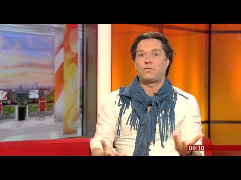 Rufus Wainwright BBC Breakfast 2016