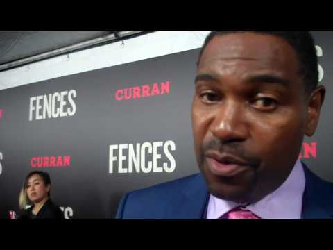 Sterling James interviews Mykelti Williamson (Gabriel) on the red carpet for Fences
