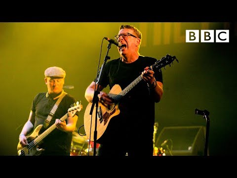 The Proclaimers - Sunshine on Leith (T in the Park 2015)