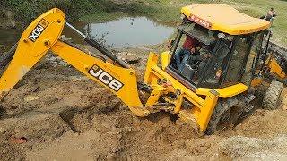 JCB Travail Pour la Nouvelle Construction d'un Pont - JCB Bulldozer de Travail de la Vidéo