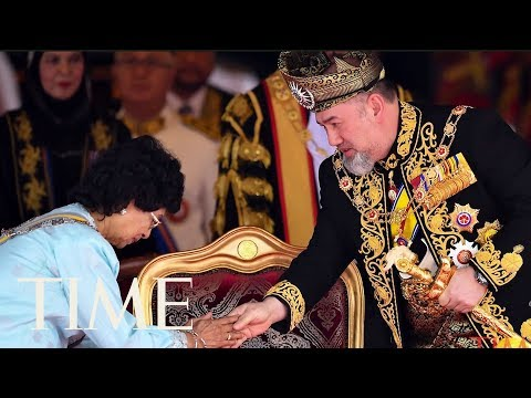 Malaysia's King Abdicates Throne In Surprise Move | TIME