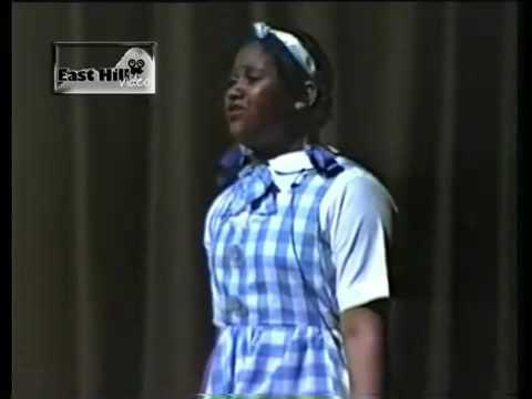 "JAZMINE SULLIVAN SINGS ""HOME"" @ AGE 11 IN THE WIZ"