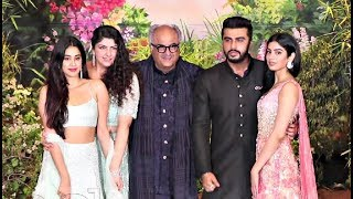 Boney Kapoor With His Kids At Sonam Kapoor Wedding Reception