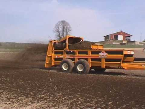 Kuhn Knight 2000 series pro push manure spreaders