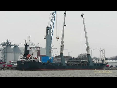 crane ship BBC CHALLENGER ex THORCO CHALLENGER V2FB8 IMO 9369095 Emden cargo seaship merchant vessel