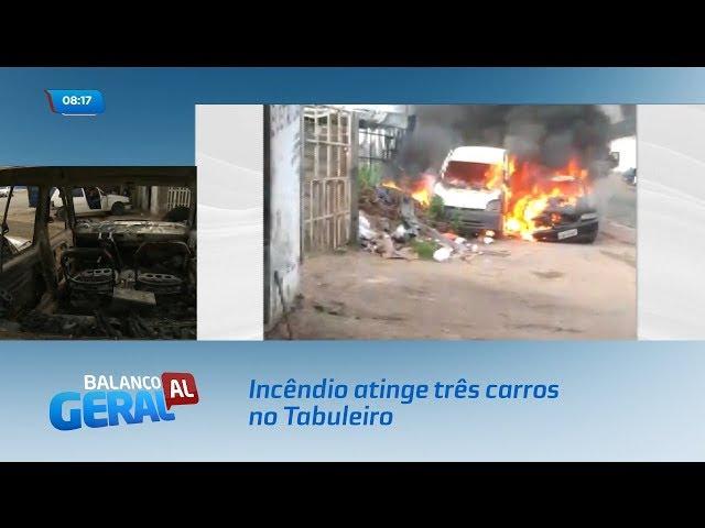 Incêndio atinge três carros no Tabuleiro