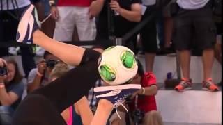 Dünyanın En İyi Kadın Futbolcusu Melody | Freestyle