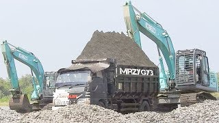 Cool!! Digger Overloading Screening Sand Into Dump Truck Kobelco SK200-10 Excavator