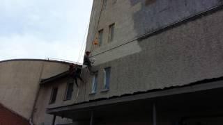 Покраска стен   фасада здания нашими промышленными альпинистами(Покраска стен промышленными альпинистами ТОО