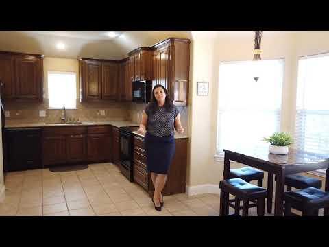 913 Glenview Drive Aubrey, TX 76227 | Amy Gasperini, Associate Broker