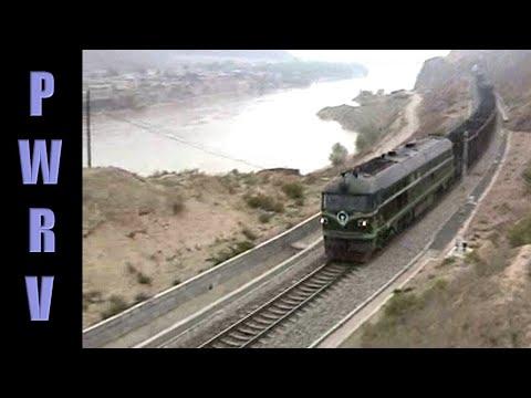 Chinese diesels - Mixed freight near Hekou-Nan
