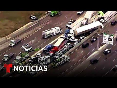 Chocan en cadena un centenar de coches en Texas