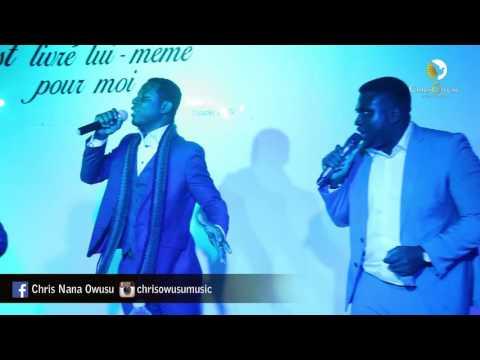 Chris Owusu ft.Daniel Twum - African Praise Medley (Live in France)