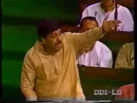 Funny Speech on Democracy of India by Pramod Mahajan to Chinese