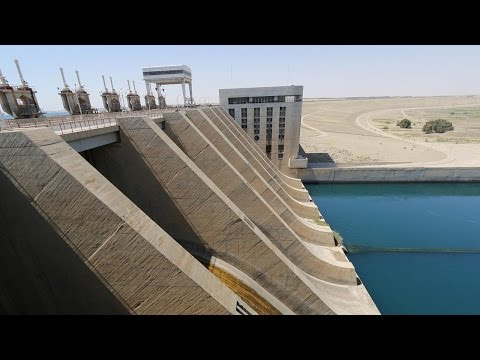 ISIL show video 'evidence' of US targetting vital Syrian dam
