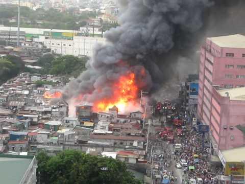 Fire In The Slum Area Near National Children Hospital Quezon City Philippines April 25 2010