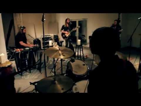 "Israel Nash - ""Through The Door"" (Live at Room 17 Studios)"