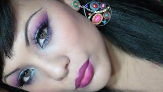 Maquillaje realizado en tonos azul,fucsia y lila con Paleta 120 sombras y Pigmentos de Glameyez