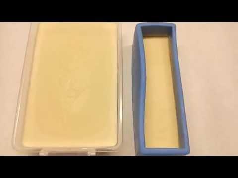 Un molding Cold Process lemon juice soap