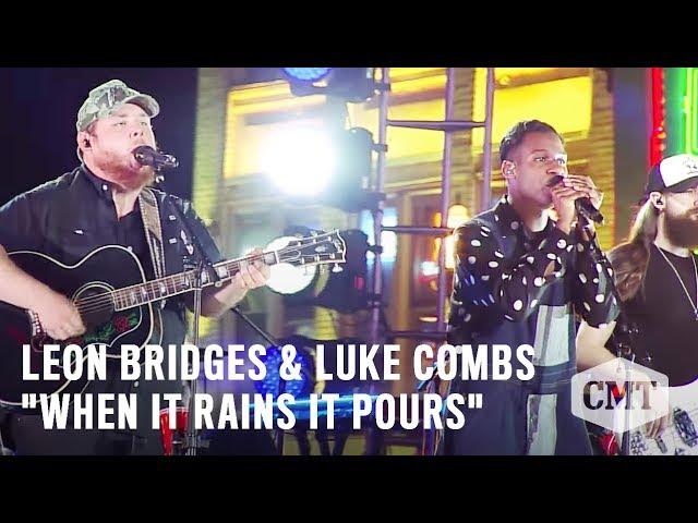 Luke Combs en Leon Bridges - When It Rains It Pours