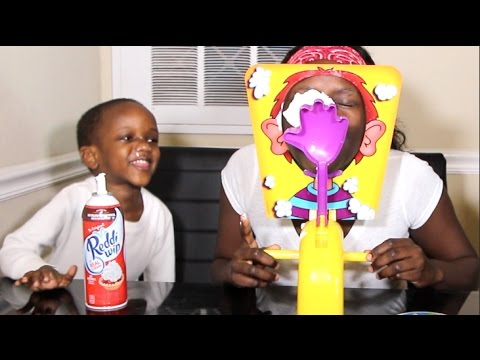 PIE FACE CHALLLENGE WITH SUPER SIAH & SUPER MOM
