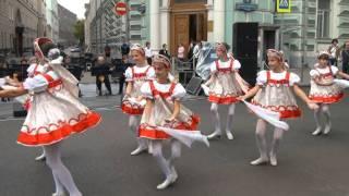 Русский танец с платочками.MPG