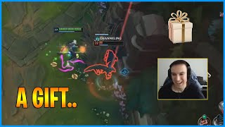 Perkz Gave a Gift to His Jungler...LoL Daily Moments Ep 1221