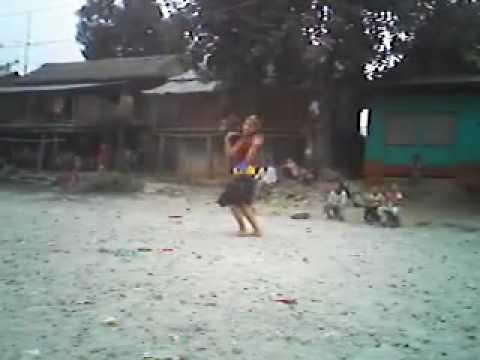 sweta dancing in the song 'dil yo mero dil'... cap...