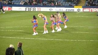 New Crystal Palace Cheerleaders (The Crystals), 11/12/2010