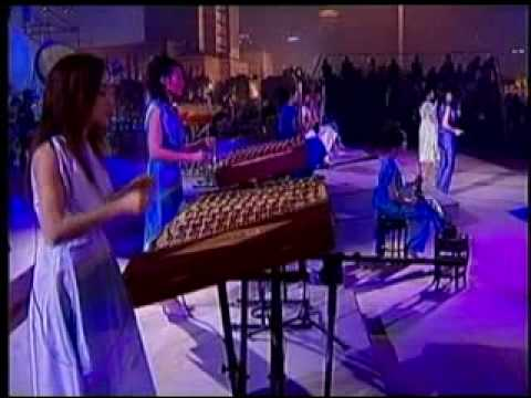 12 Girls Band - Loulan Girl (Live From Shanghai)