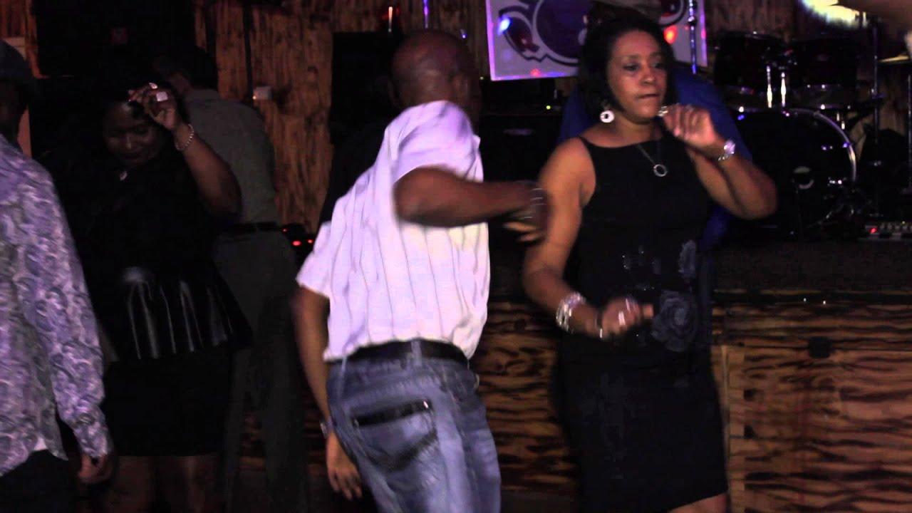 Bigg Robb Fill It Up Music Video - 111.1KB