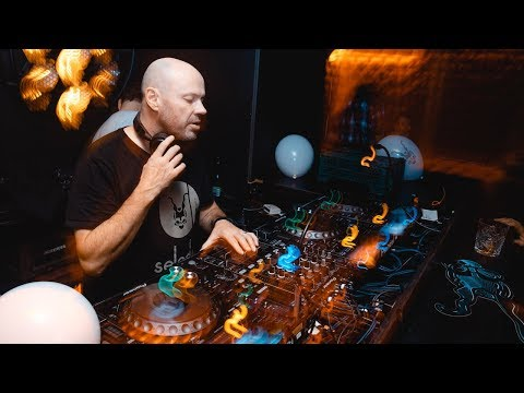 DJ Dave Seaman | Lockdown Radio Show | Melodic Techno Mix 2020