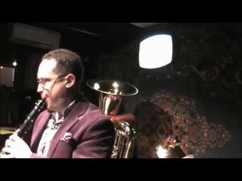 Clarinet solo - Building Chaos - Dixie? Swing? Bop? Avant Garde?
