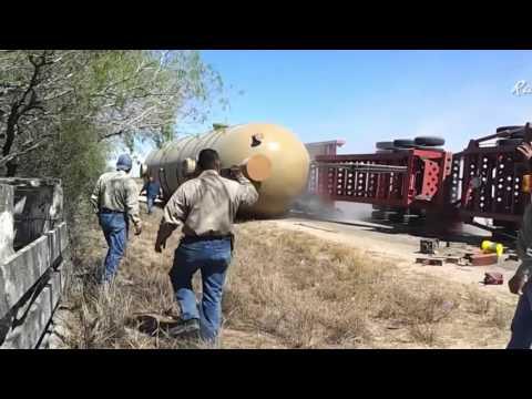 Tổng hợp những vụ tai nạn lật xe tải kinh hoàng