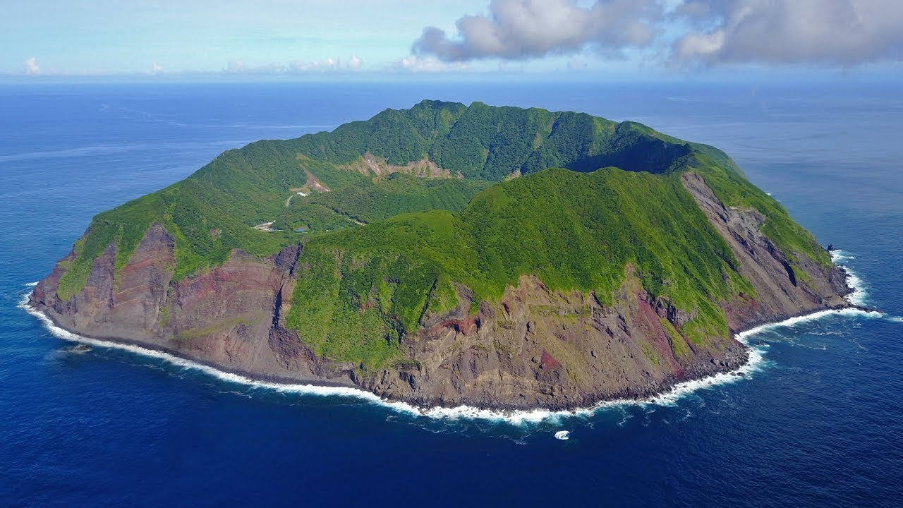 Tokyo's Secret Island Paradise | AOGASHIMA ☆ ONLY in JAPAN - YouTube