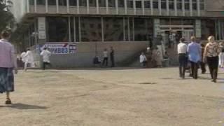 Тумба ТВ - Сумасшедший(Сумашедший пытается убежать от врачей ..........жесть., 2009-10-08T18:59:17.000Z)
