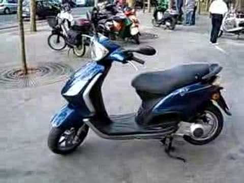 scooter piaggio 125 fly youtube. Black Bedroom Furniture Sets. Home Design Ideas