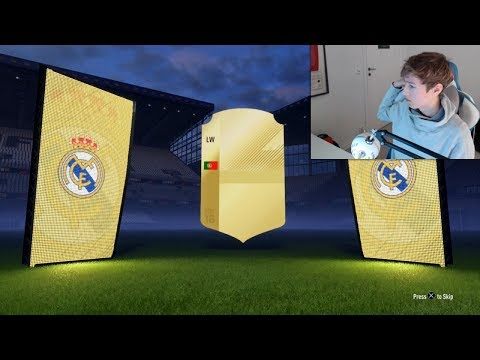 I PACKED RONALDO!!! MY BEST EVER FIFA 18 PACK!!
