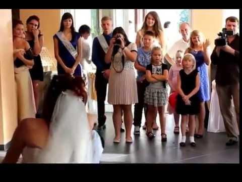 Необычный танец отца и дочери на свадьбе_трогательно!из YouTube · Длительность: 2 мин33 с  · Просмотры: более 5.000 · отправлено: 10-7-2016 · кем отправлено: Твори Добро