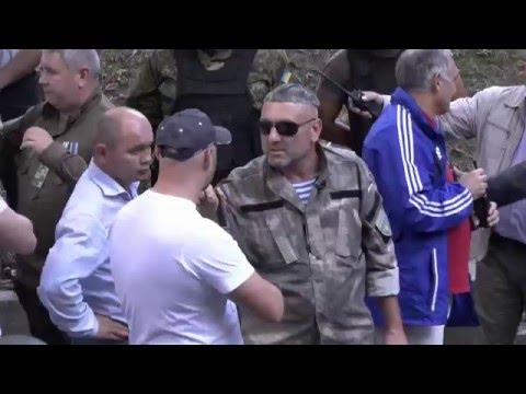 Ukraiński żołnierz_vs_Legionisci: Bandera walczył na swojej ziemi, Lwów to nasze miasto!